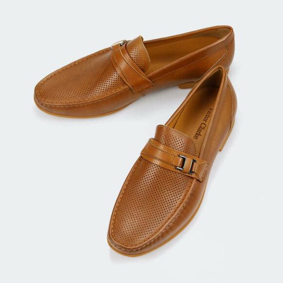 حذاء victor clarke men shoes باللون الجملي