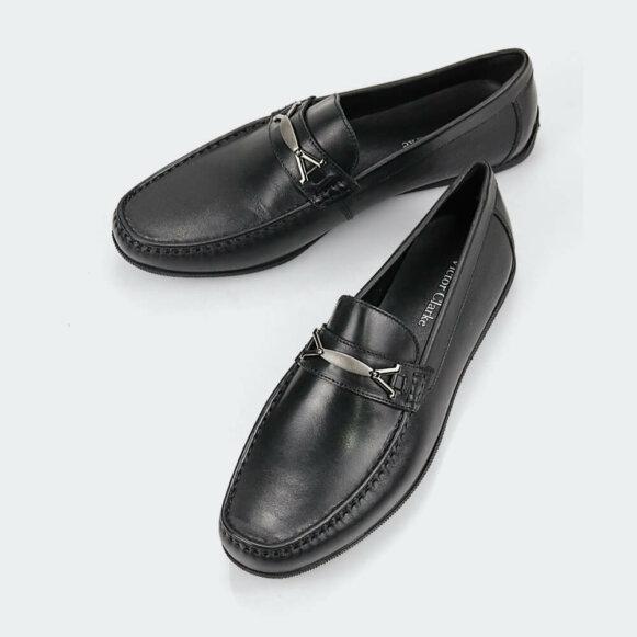 حذاء victor clarke men shoes باللون الاسود الفاخر