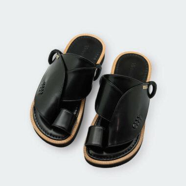 حذاء شرقي أسود طبي