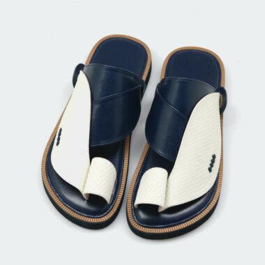 حذاء شرقي طبي