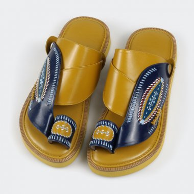 حذاء شرقي دهبي