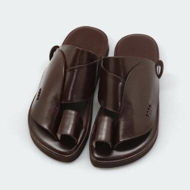 حذاء شرقي بني