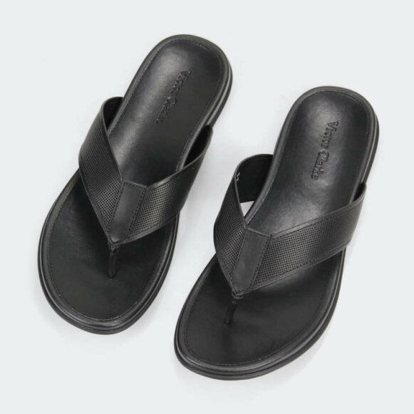 حذاء أسود جلد طبيعى مقوى ماركة فيكتور كلارك الأصلية