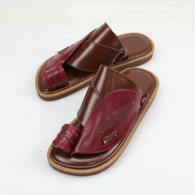 حذاء شرقي مطرز رائع