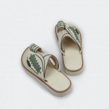 مواصفات حذاء شرقى مطرز من متجر العراب