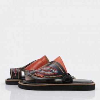 الشركة المنتجة للحذاء الشرقي