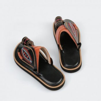 مميزات معايير صناعة الأحذية الطبية بمتجر العراب