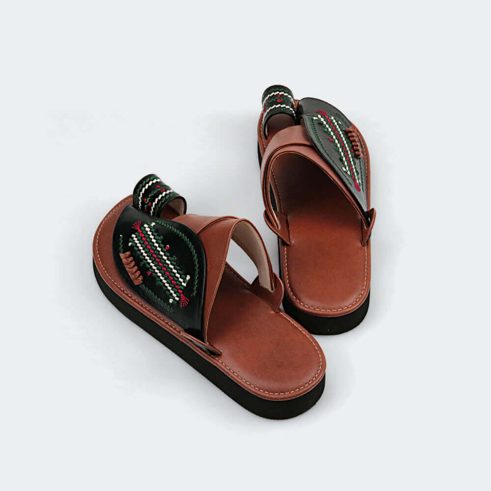 حذاء راقي شرقي مطرز من متجر العراب عالي الجودة