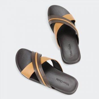 حذاء فيكتور كلارك بني في أسود